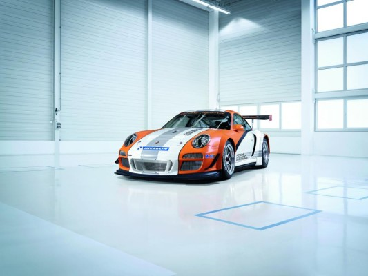 Genf 2010: Porsche präsentiert Hybridversion des 911 GT3 R