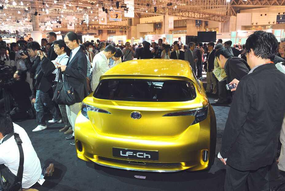 Genf 2010: Weltpremiere Lexus CT 200h – Kompaktlimousine mit Vollhybridantrieb