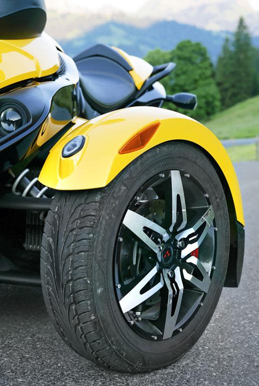 Genfer Salon 2010: Can-Am Spyder – der Motorrad-Roadster - Bild(12) - Bild(12)