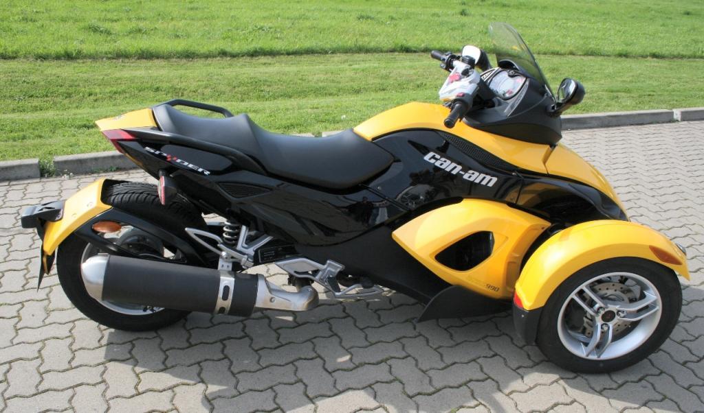 Genfer Salon 2010: Can-Am Spyder – der Motorrad-Roadster - Bild(13) - Bild(13)
