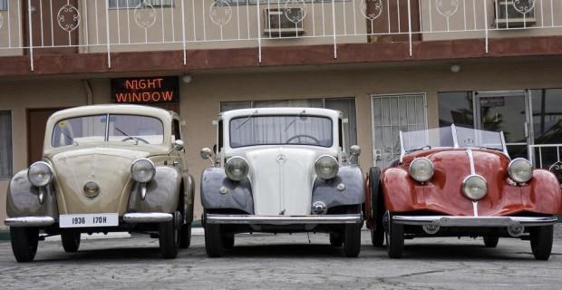 Heckmotor bei Mercedes-Benz: Mercedes-Benz 170 H, Baureihe W 28, 1936 bis 1939, Mercedes-Benz 130, Baureihe W 23, 1934 bis 1936 und Mercedes-Benz 150 Sport-Roadster, Baureihe W 30, 1934 bis 1936 (von links nach rechts).