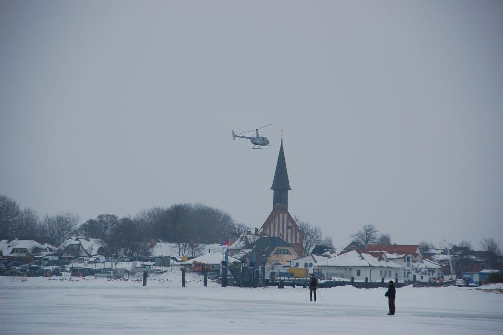 Hubschrauber oder Hovercraft?  - Der aubenteuerliche Weg nach Hidensee