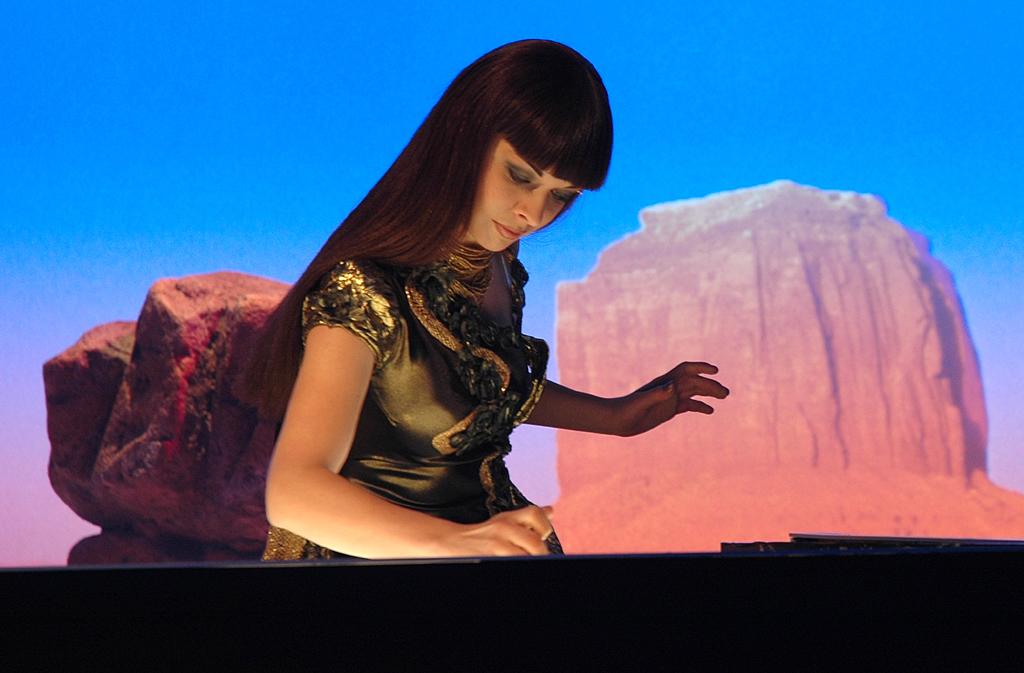 Kseniya Simonova zauberte blitzschnell Kunstwerke mit staubfeinem Sand.