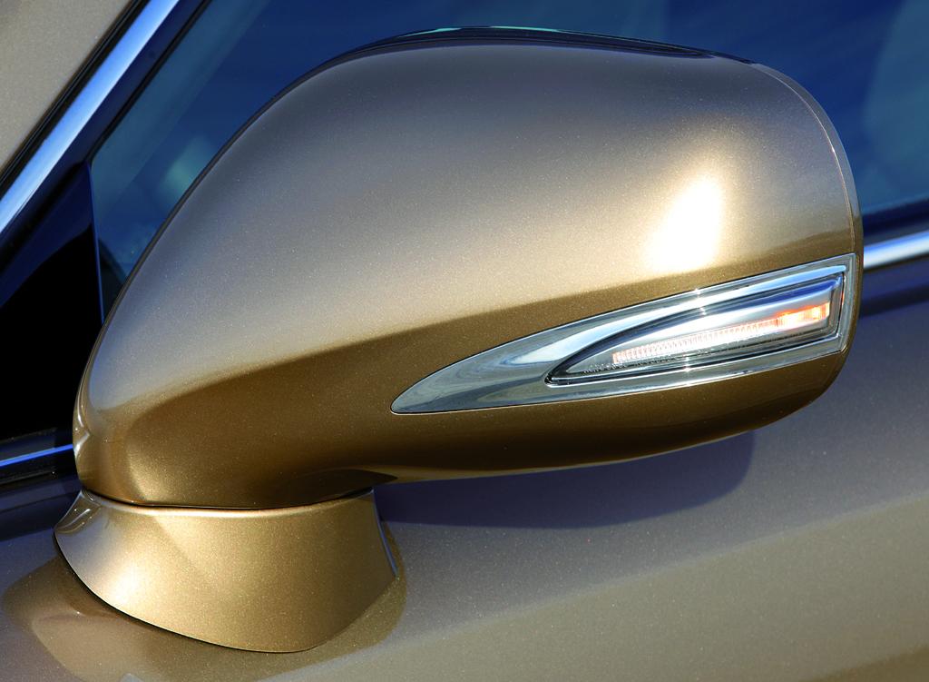 Lexus IS: Außenspiegel.
