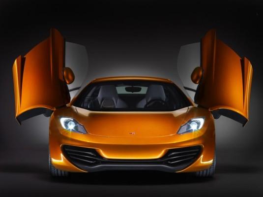 McLaren-Supersportler auf Testfahrt