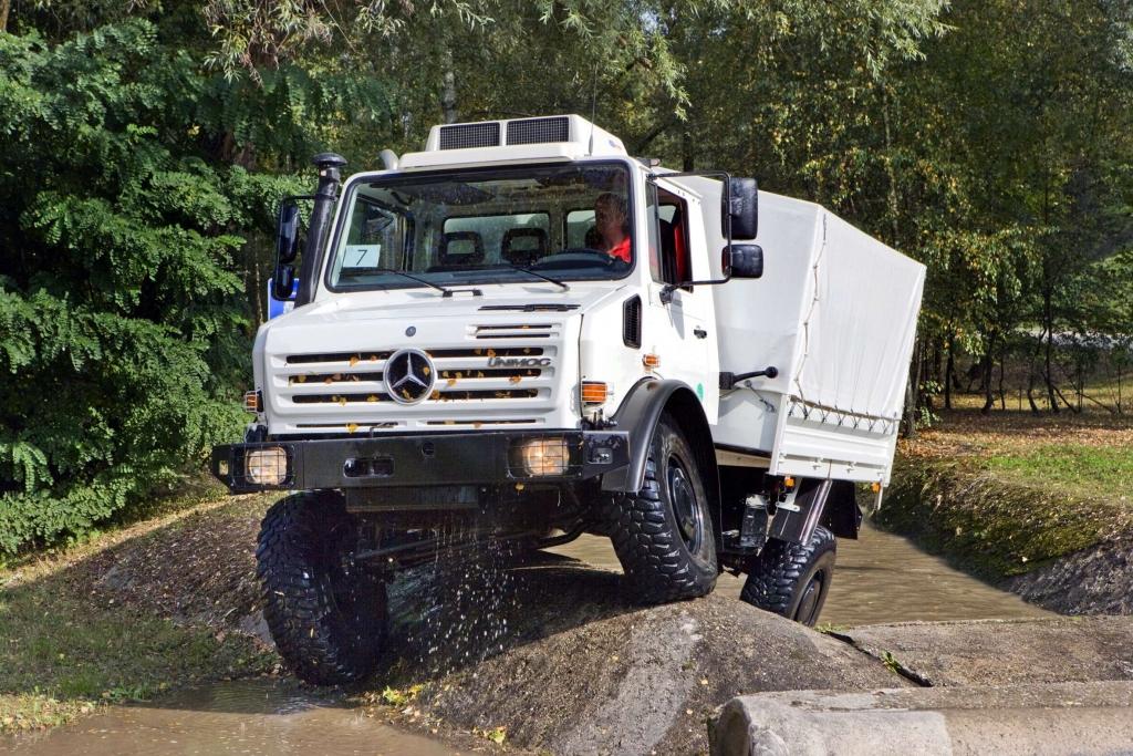 Mercedes-Benz Unimog: Der kommt durch, wo andere nie hinkommen...