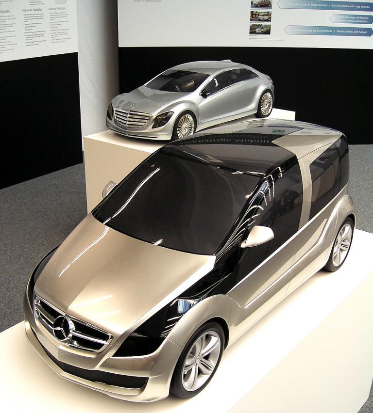 Mercedes-Design: Frühere Forschungsfahrzeuge von Mercedes.