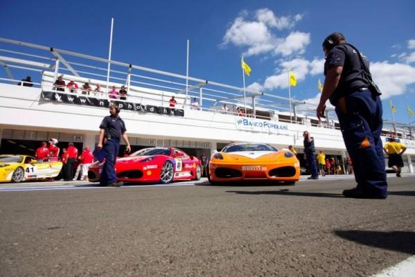 Mit Rennsport-Kompetenz verkaufen Sportwagen-Händler mehr Fahrzeuge