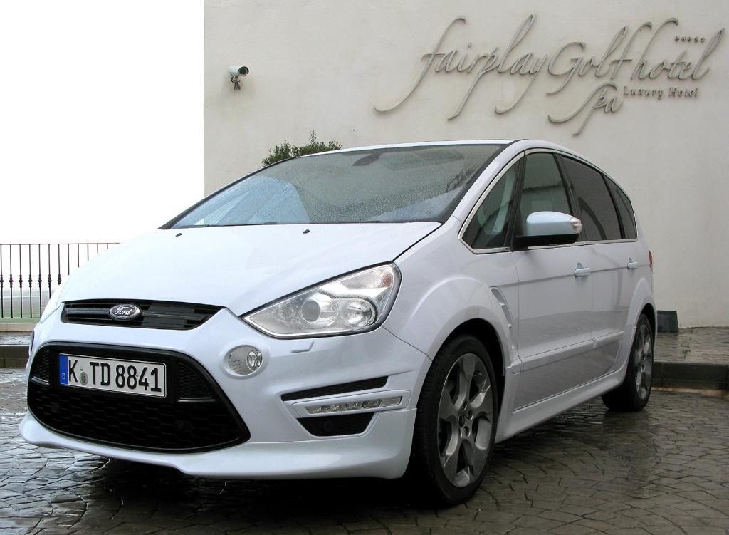 Mit typischer Tröpfchenform: Fords S-Max-Neuauflage. Foto: Grebe