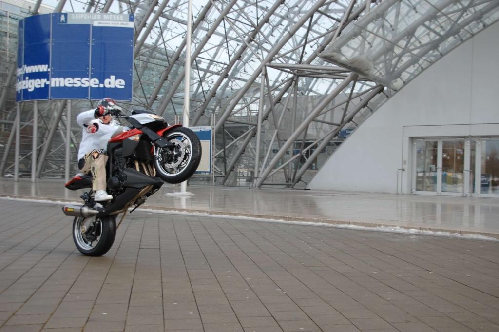 Motorrad Messe Leipzig 2010 ist eröffnet: Premierenfeuerwerk in sächsischer Biker-Metrople