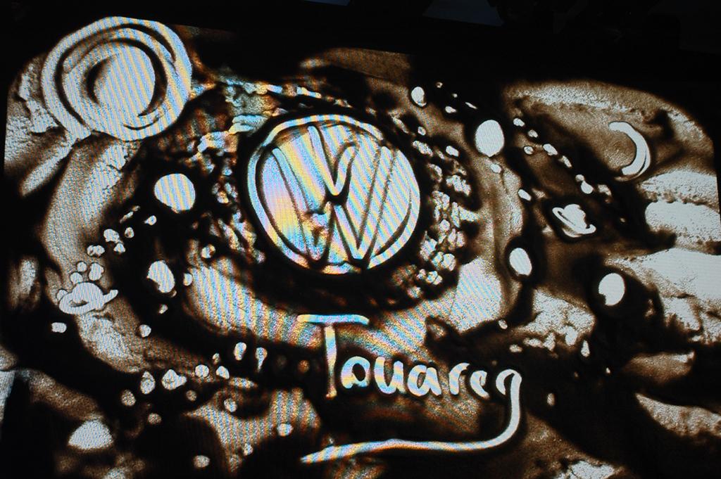 Natürlich hatten die Kunstwerke auch mit VW und dem Touareg zu tun.