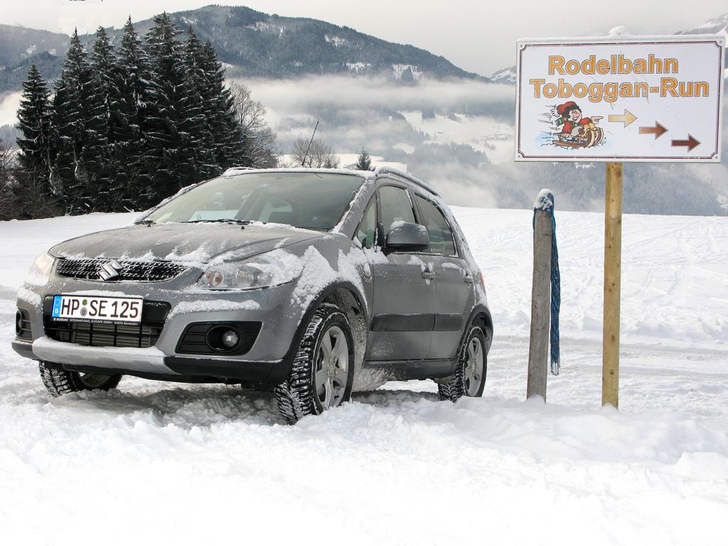 Nicht zuletzt der Allrad-SX4 steht bei Suzuki für sicheres Vorwärtskommen im Winter.