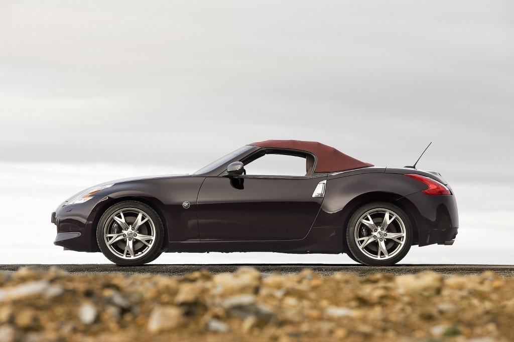 Nissan 370 Z Roadster.
