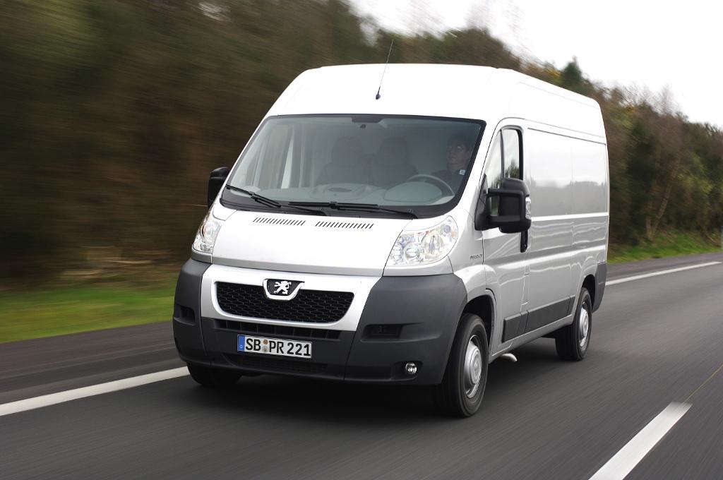Peugeot mit neuem Euro-5 Diesel, acht Kastenwagenversionen und neuen Preisen für Boxer und Bipper