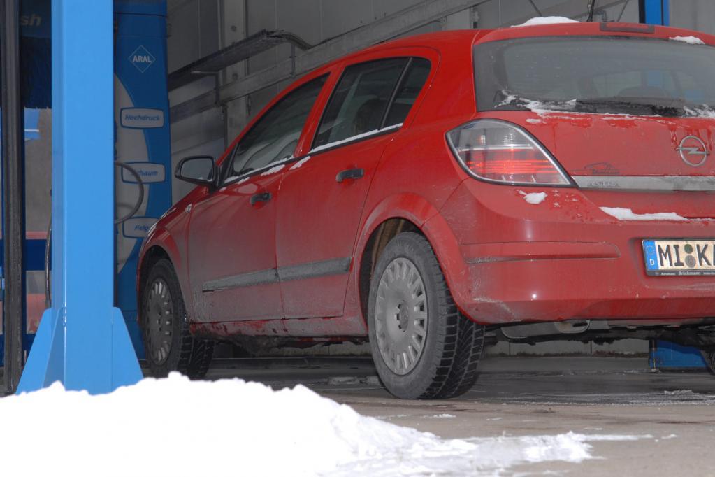 Ratgeber: Trotz Winter Auto waschen?