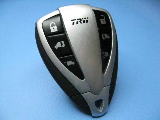 TRW integriert Funkfernbedienung und Reifendruckkontrolle