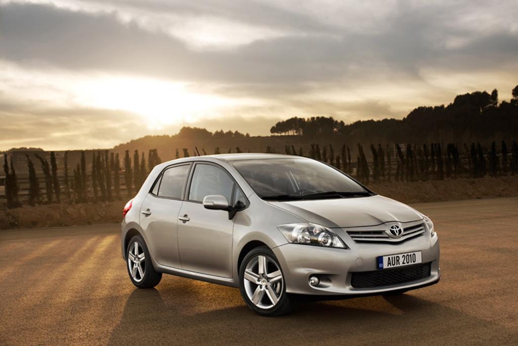 Toyota hat Auris überarbeitet: Einführung im März, für Herbst Vollhybrid vorgesehen