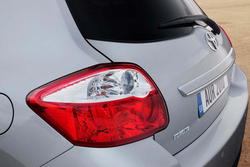 Toyotas neuer Auris: Blick auf Rückleuchte.