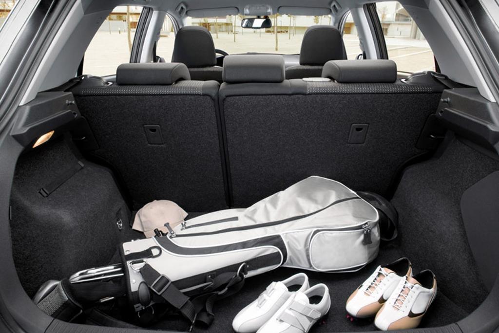 Toyotas neuer Auris: Blick in den Kofferraum.