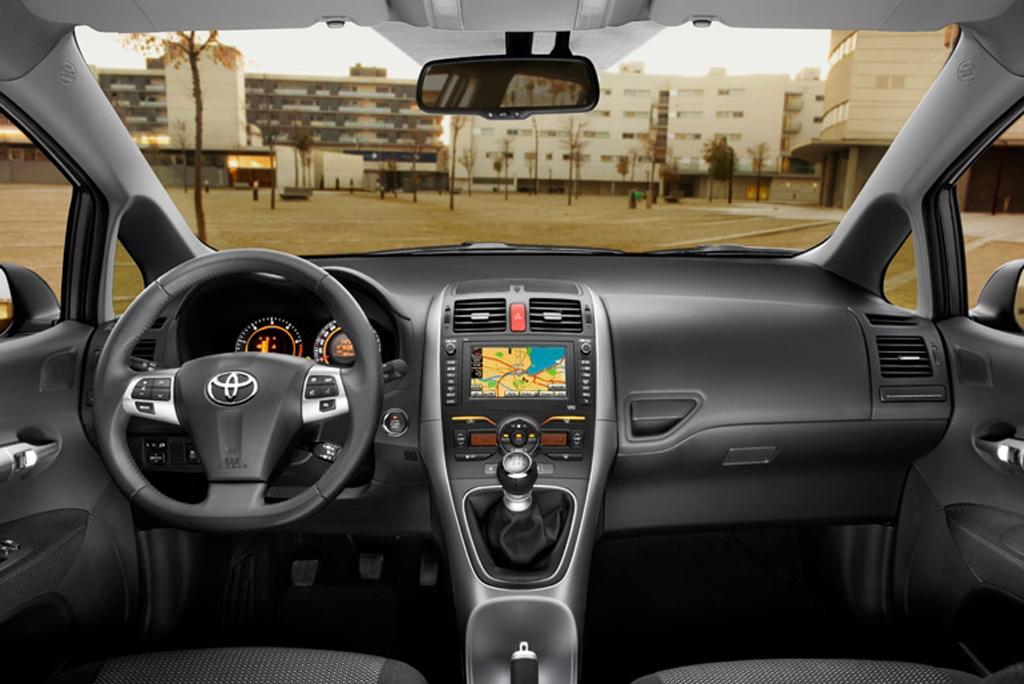 Toyotas neuer Auris: Blick ins Cockpit.