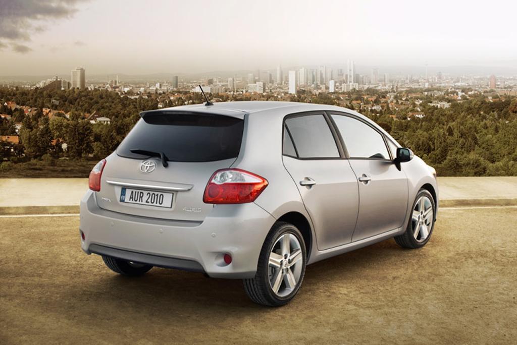 Toyotas neuer Auris: Heck-/Seitenansicht.