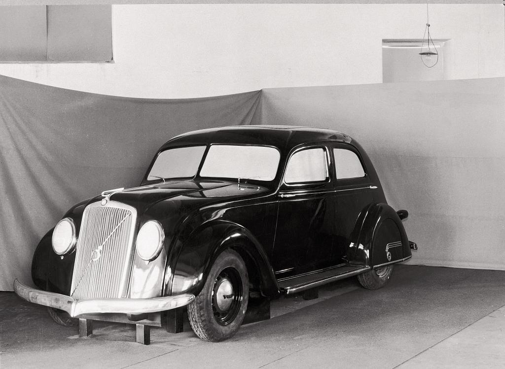Volvo PV36 (1935). Prototyp des Volvo PV36, der als Serienmodell von 1935 bis zum Herbst 1938 verkauft wurde. ...