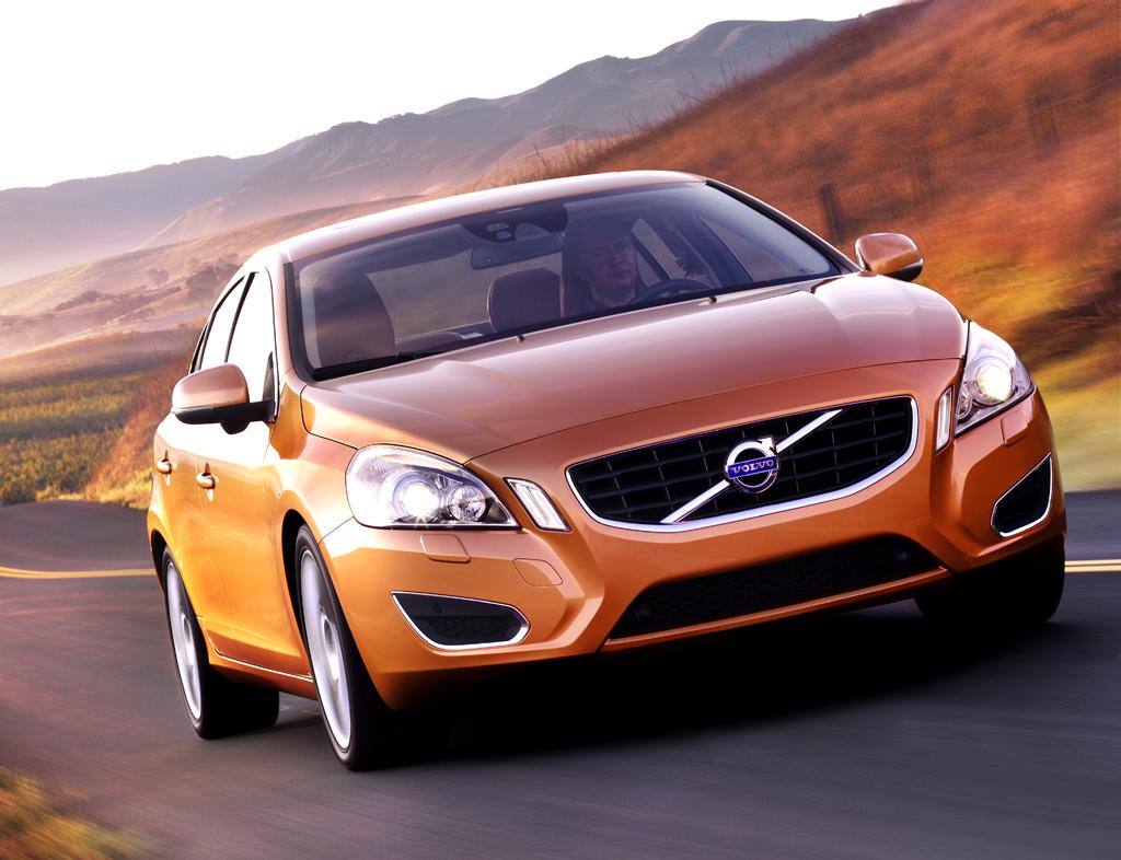 Volvo S60: Bereits von vorn kommt der S60 nordisch-cool daher.