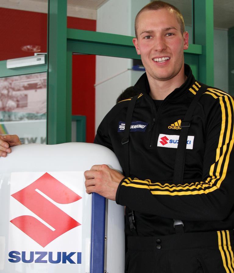 Wird von Suzuki unterstützt: Rennrodler David Möller.