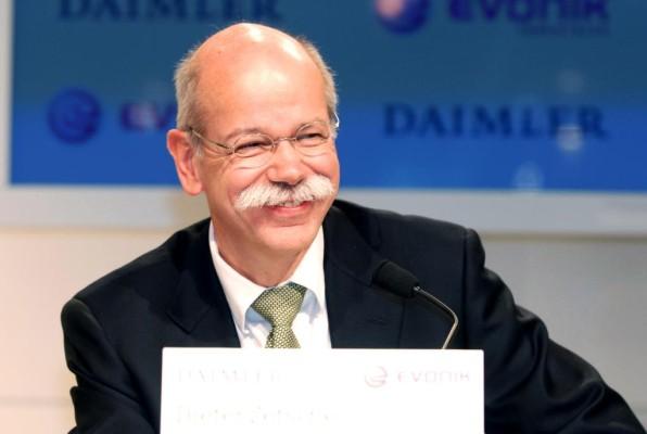 Zetsche-Vertrag verlängert, Bernhard in Vorstand berufen