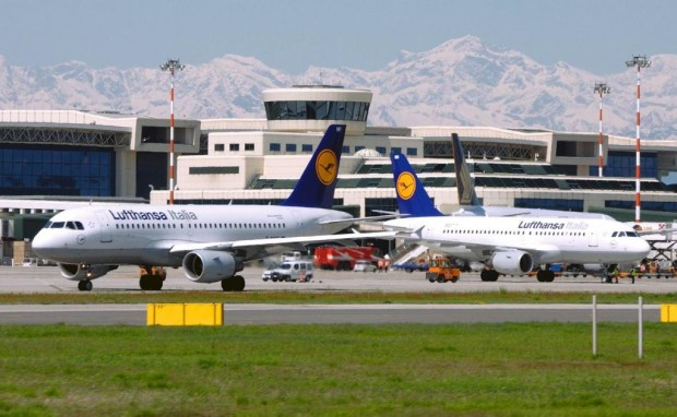009: Flugmüde Auslandsreisende