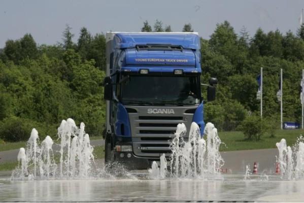 ADAC und Scania suchen den sichersten Lkw-Fahrer