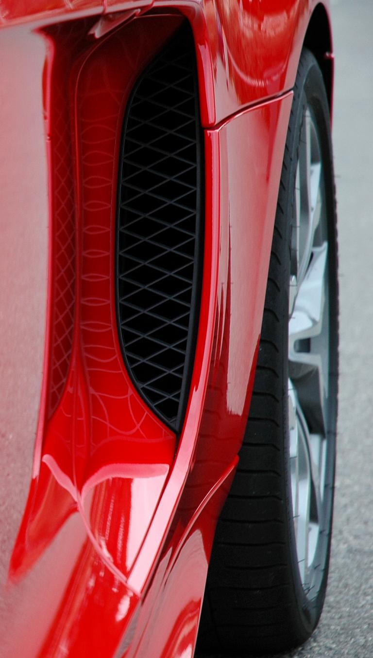 Audis neuer R8 Spyder: Statt der Coupé-Sideblades gibt es Lufteinlässe hinter den Türen.