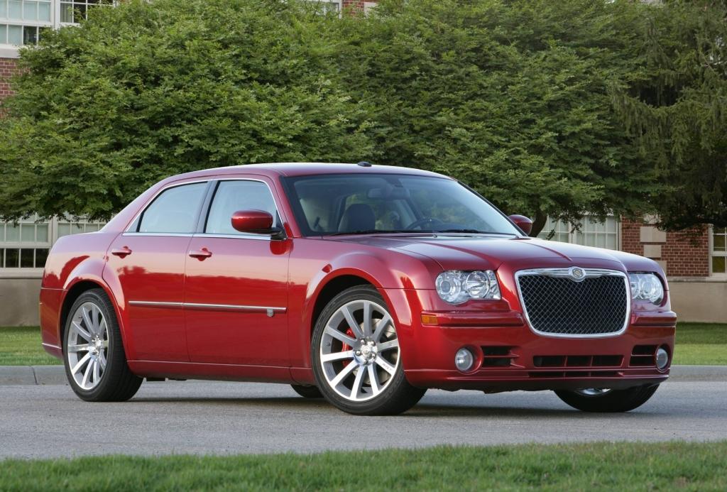 Chrysler 300C SRT8.