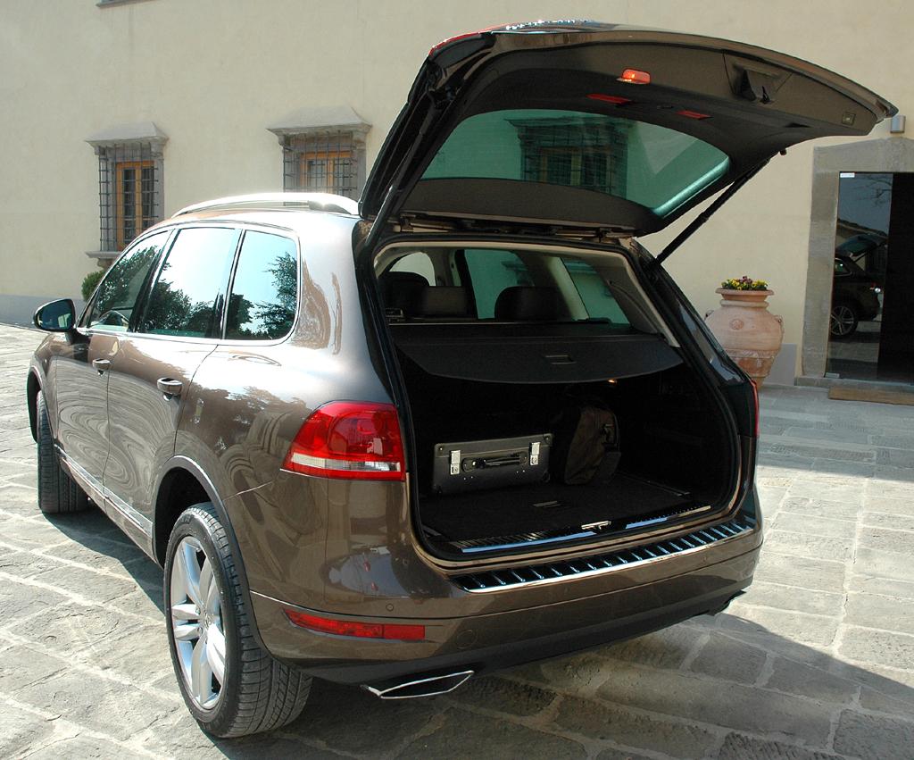 Der neue VW-Touareg: Bei geöffneter Kofferraumklappe.