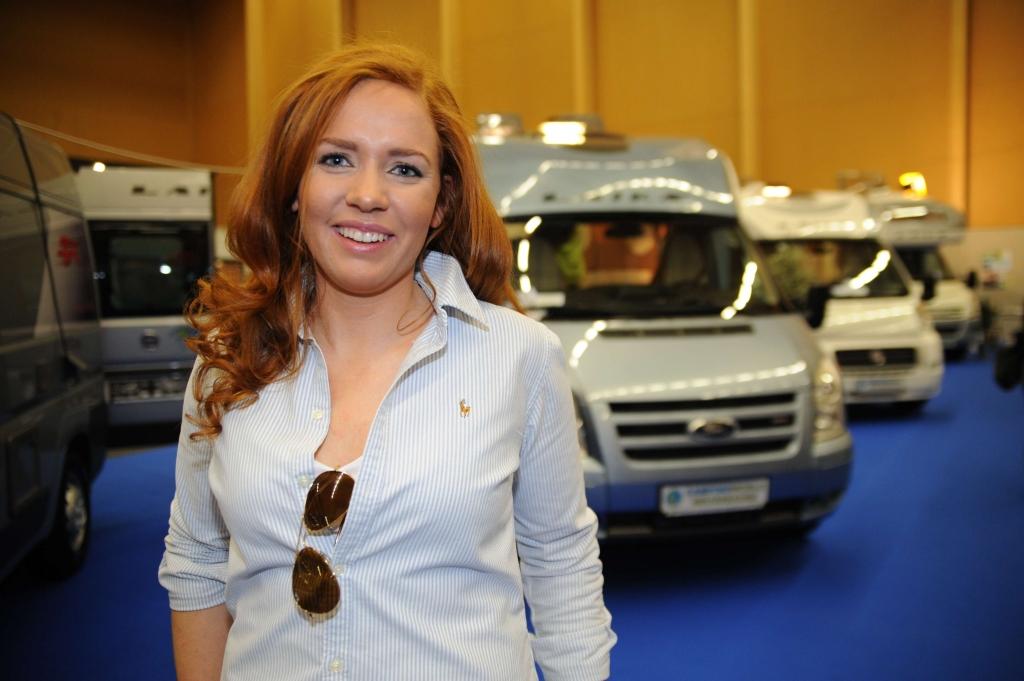 Führende Wohnmobilhersteller auf Urlaubs und Caravan Messe blühendes Österreich