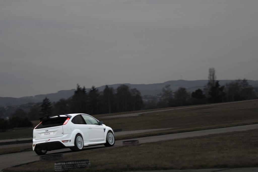 FH Köln baut Ford Focus RS für 24-Stunden-Rennen auf