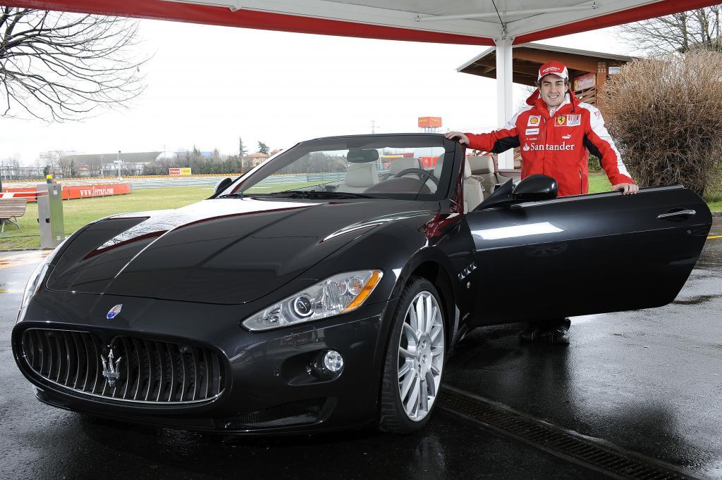Fernando Alonso hat sich für einen Maserati Gran Cabrio entschieden.