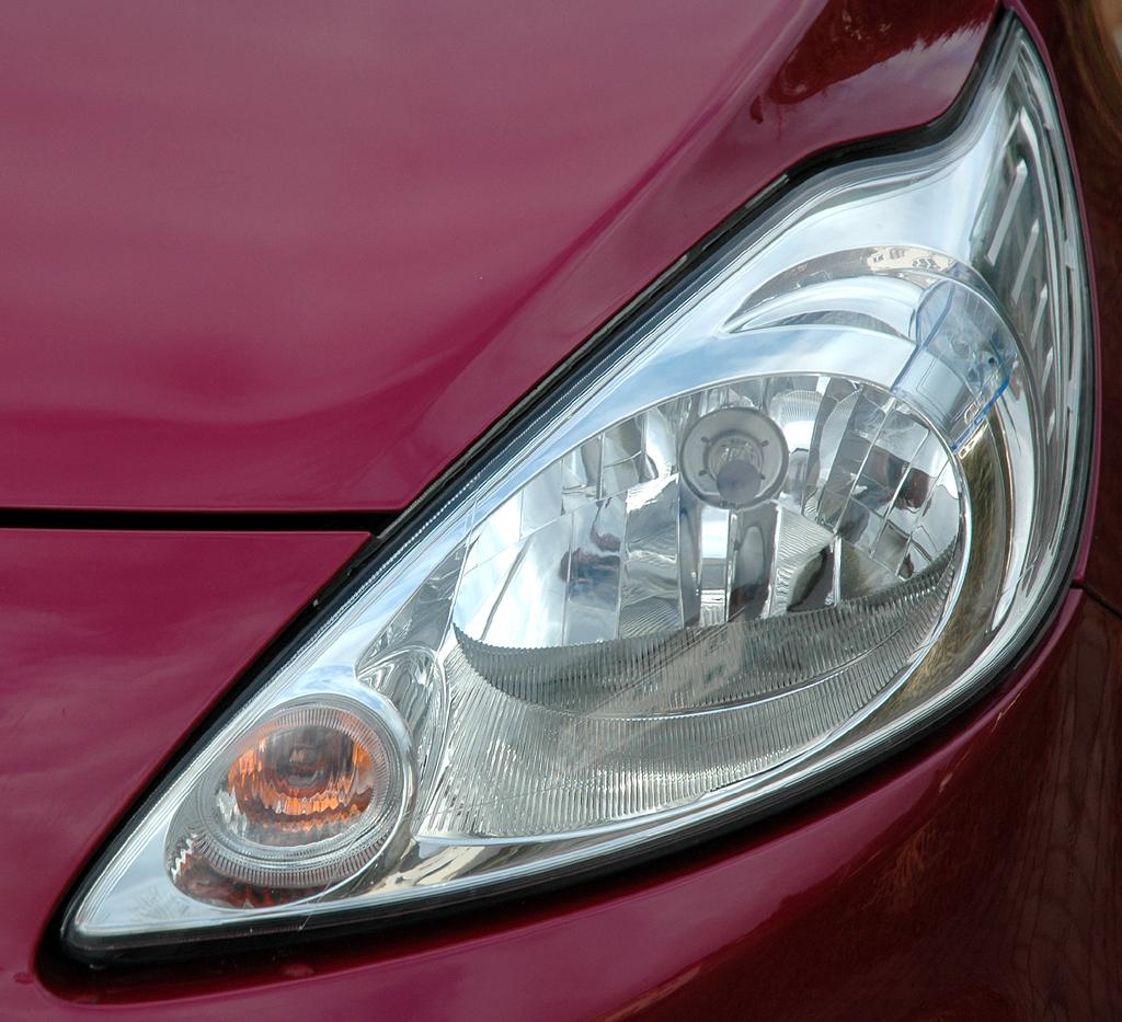 Ford Ka: Vordere Leuchteinheit