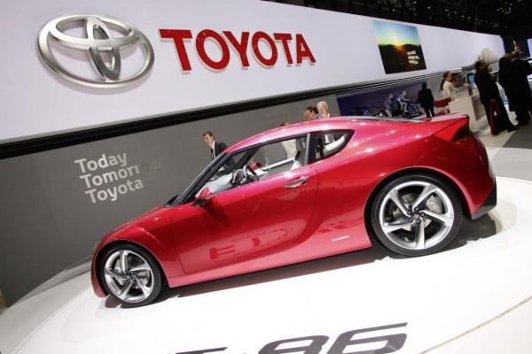 Genf 2010: Toyota FT-86 gibt Ausblick auf neue Sportwagen-Generation