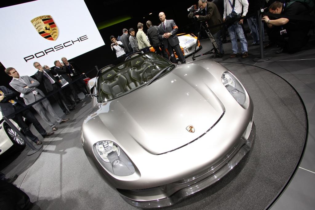 Genfer Salon 2010: Porsche präsentiert einen Super-Spyder