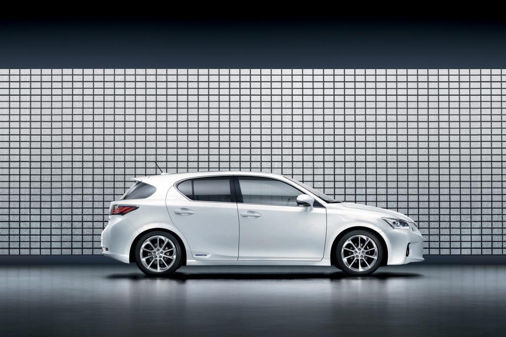 Lexus baut Hybrid-Angebot aus
