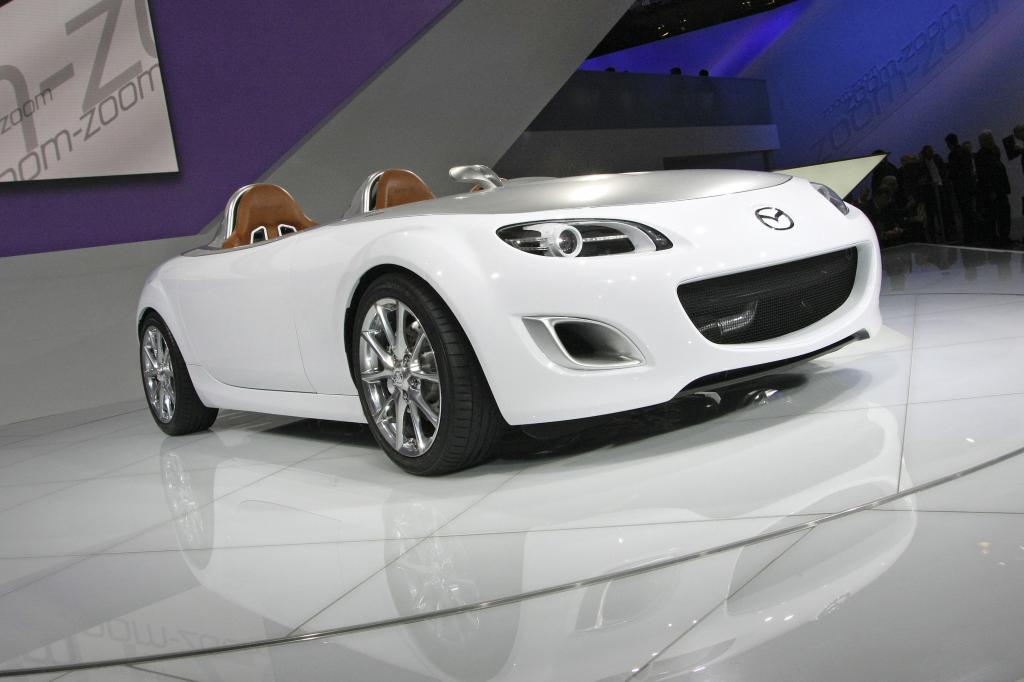 Mazda mit 19 Modellen bei der Retro Classics
