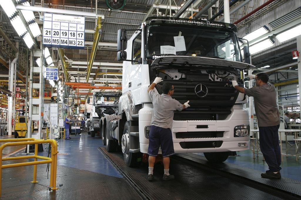Mercedes-Benz erhöht Produktionskapazität für Lkw in Brasilien