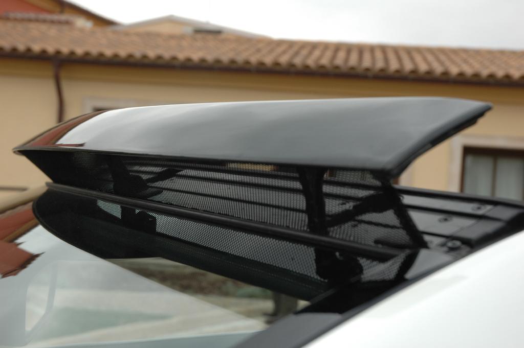 Mercedes E-Klasse Cabrio: Automatisches Aircap-Windschott an der Frontscheibe.