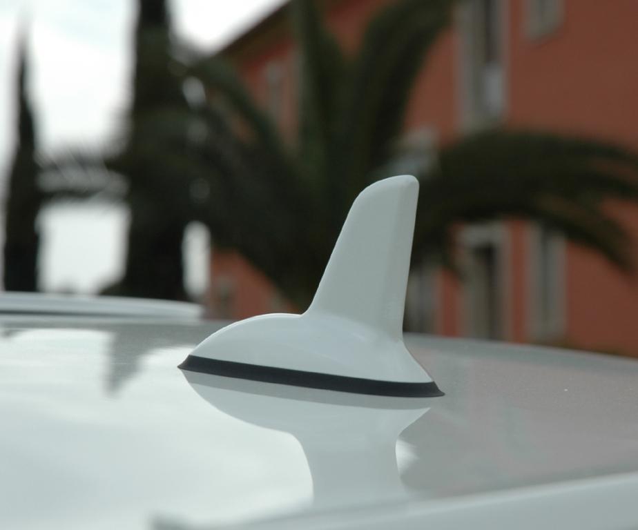 """Mercedes E-Klasse Cabrio: """"Haifischflossen""""-Antenne."""