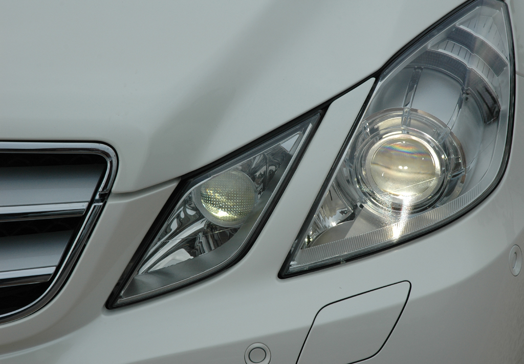 Mercedes E-Klasse Cabrio: Leuchteinheit vorn.