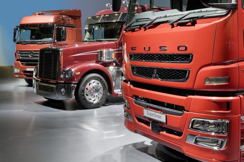 Mit Mercedes-Benz in Europa und Brasilien, Freightliner und Western Star in Nordamerika sowie Fuso in Asien ist Daimler Trucks weltweit aktiv.