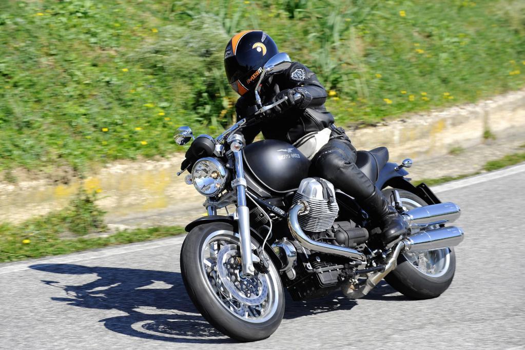 Moto Guzzi Bellagio Aquila Nera: Schwarz gemalt