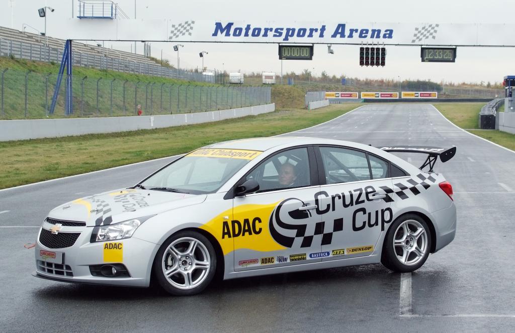 Motorsport Arena setzt zwei Autos im ADAC-Cruze-Cup ein