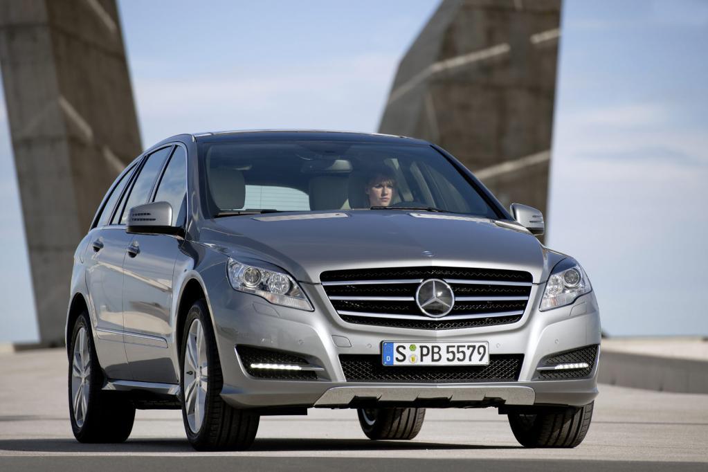 Neues Gesicht für die Mercedes R-Klasse